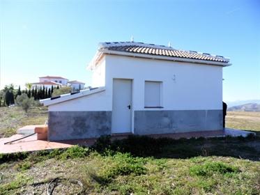 Casa de Campo, Interior, Orientación: Norte, Sur, Este y Oeste Vistas: Colinas, Excelentes
