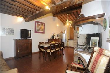 Lucca, Anfiteatro appartamento