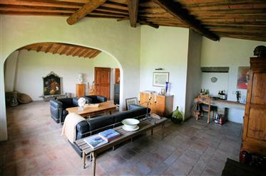 Toscana, Figline Valdarno Colonica in posizione panoramica!