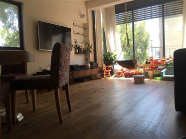 Yehuda Hamaccabi - Quiet Street - 4 Rooms