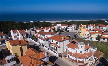Moradia zona residencial Sitio da Nazaré