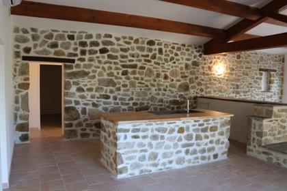 L'agence Immo-Loc Ardèche à Vallon Pont D'Arc vous propose en Sud Ardèche à Saint-Remèze,