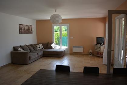L'agence Immo-Loc Ardeche vous propose en Exclusivité à Vallon Pont D'arc, une villa récen
