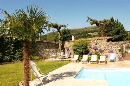 Vente Ardèche (07), 15 min A7 - Propriété 13 chambres, 600 m2, piscine, dépendances, belles prestati