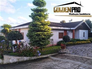 Villa Plein-pied de 4 chambres avec vue sur la ville - Amarante