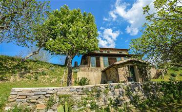 Tradizionale casa colonica nei pressi di Urbino