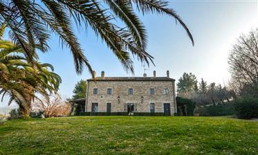 Villa de campagne chic en dehors de Senigallia, le marche