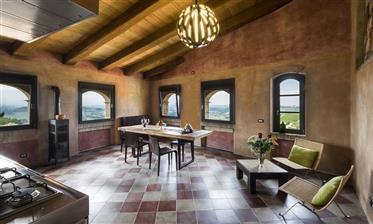 Palazzo Storico Nelle Langhe, Piemonte