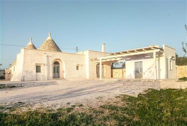 Recentemente restaurata Trulli di Cisternino, Puglia