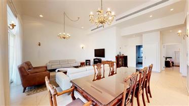 In Hod Hasharon, on Kfar Hadar Street, a stunning home in a beautiful Italian style