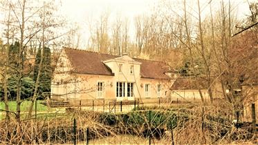 Charm property south of Coulommiers