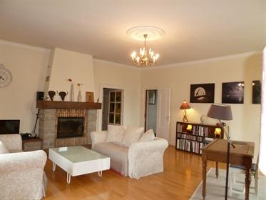 Maison Lons Le Saunier 10 pièce(s) 304.35 m2