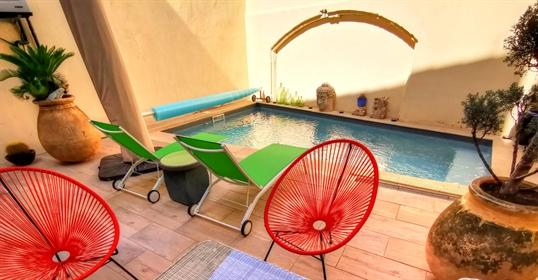 Maison de Maître avec piscine chauffée et Garage