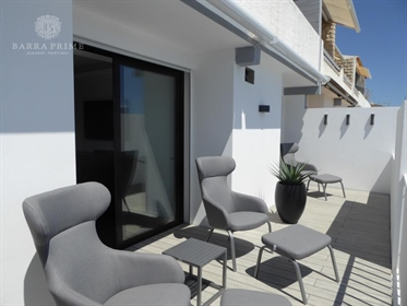 Fantastic T2 Duplex apartment, recently refurbished and mode...