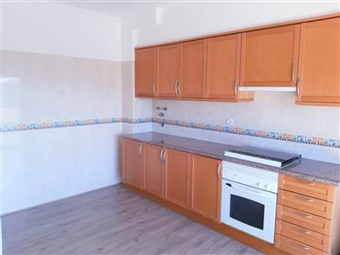 3 bedroom apartment located in the central area. Great deal