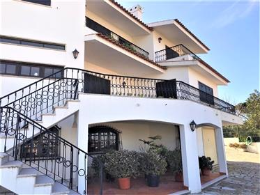 T6 detached house, on a plot of 8250 m2