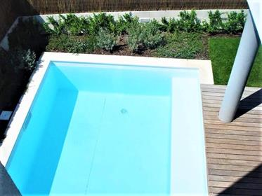 2 bedroom villa, with pool, close to the beaches of Meco !!