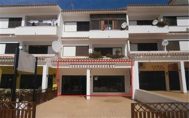 Algarve - Albufeira - Restaurante à venda, com um terraço ensolarado para 50 pessoas