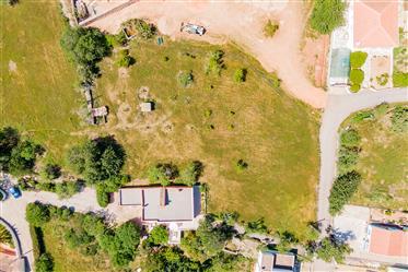 Algarve - Loulé - Terreno para venda em Apra, para a construção de uma moradia com cave e piscina
