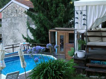 Casa di paese con piscina