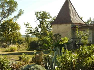 Magnifique domaine avec deux maisons sur 4 hectares