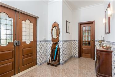 Superb Detached Villa With Panoramic Views In Palmela