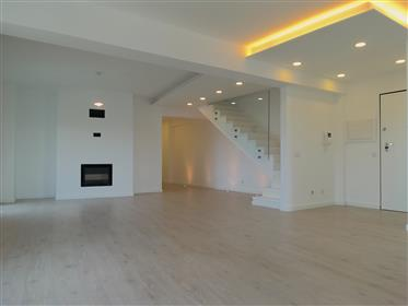 Spacious 6-Bedroom Duplex Apartment At The Beach In Alcochet...