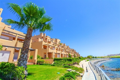 Mayrasa orgulha-se de oferecer aos seus clientes este exclusivo apartamento localizado em ...