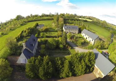 נכס נהדר על ² 53000 של קרקע.