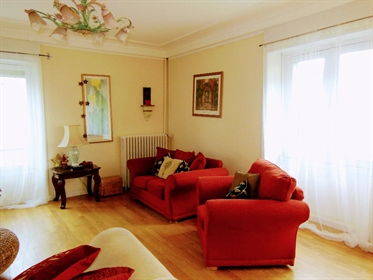 Dinan town center Fabulous first floor apartment 135m²