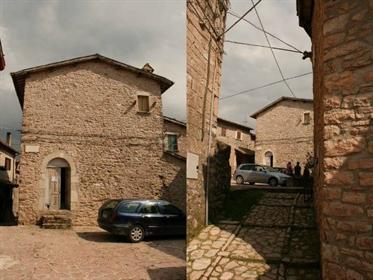 Prestigioso palazzo in vendita in Umbria – Casa Crescentia