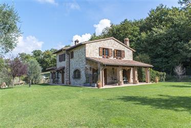 Villa de luxe à vendre en Umbria-«Villa Todina»