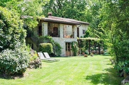 Antica Chiesa- Casale di lusso in vendita in Umbria
