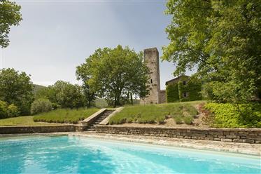 Casale ristrutturato in vendita - La Guardiana Del Castello