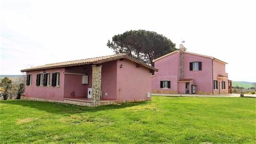 Haus/Amtsgericht von 210 m2 in Tarquinia
