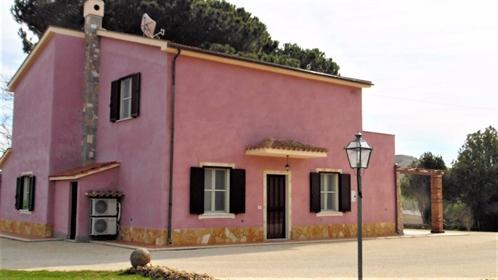 Rustico/Casale/Corte di 210 m2 a Tarquinia