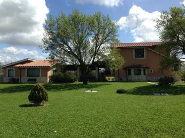 Haus/Amtsgericht von 220 m2 in Tarquinia