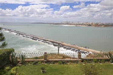 Vista para o mar, 4 quartos, jardim privado, garagem, aldeia...