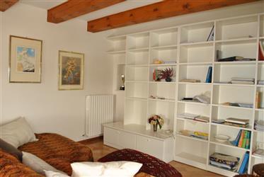 Appartement: 140 m²