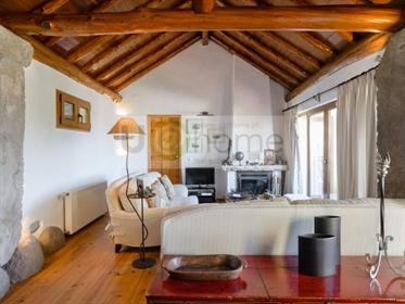 Casa em Sintra com muito charme e vista de serra e mar