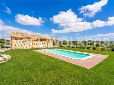 Quinta com casa típica Algarvia – Em reabilitação