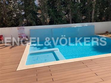Moderne T1+1 Wohnung In Olhos de Água