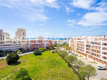Sea View Apartment 650m From The Beach