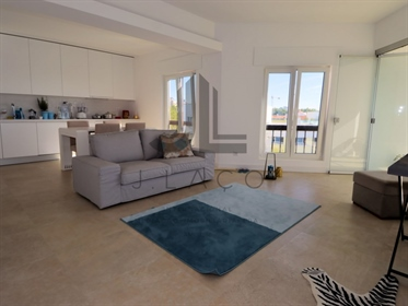 Cascais Centre 2 bedroom apartment with sea view