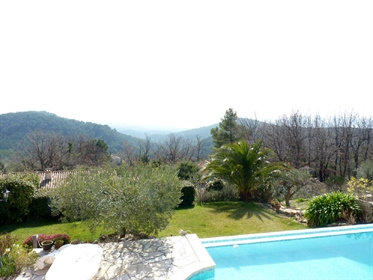 Situated on a lovely 2500m2 plot, the house benefits from a magnificent view over the valley, and ha