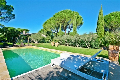 One of a kind property! Towards the Garde Freinet lays this beautiful property settled on a private