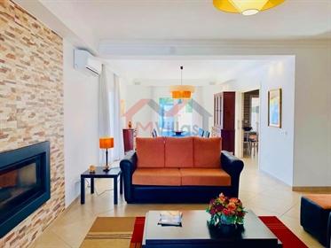 Vivenda: 213 m²