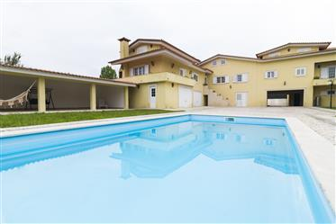 Moradia T5 com piscina a 10 min de Coimbra