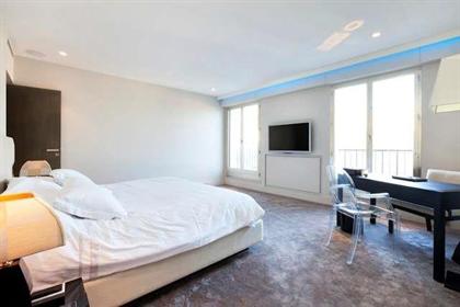 Schöne Wohnung mit großer Terrasse in Paris Saint Germain