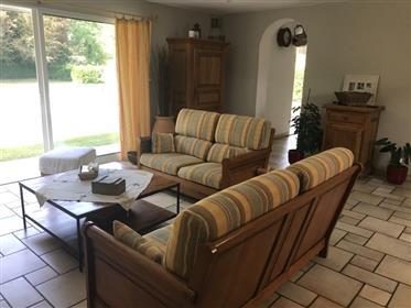 Belle Maison - 5 Chambres - 1 Bureau - Piscine - Garage